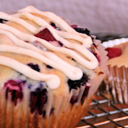 Triple_berry_muffin_2