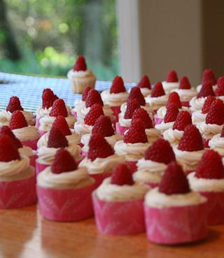 Cupcake_wedding_rasp_small
